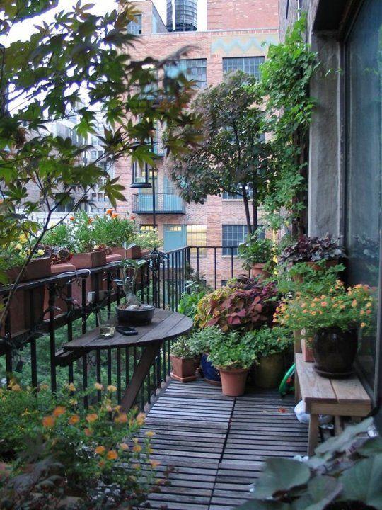 ban cong xanh khu vuon 2 - #35 Kiểu ban công xanh [ĐẸP] ở chung cư, nhà ở năm 2020