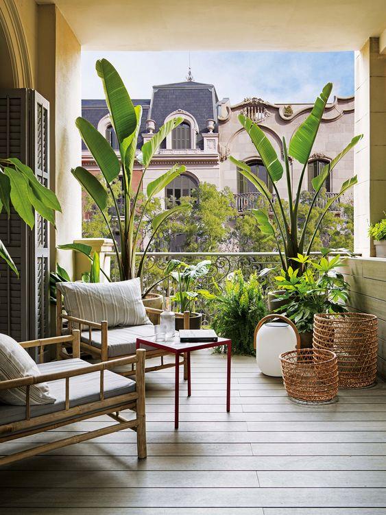 ban cong xanh phong khach 1 - #35 Kiểu ban công xanh [ĐẸP] ở chung cư, nhà ở năm 2020