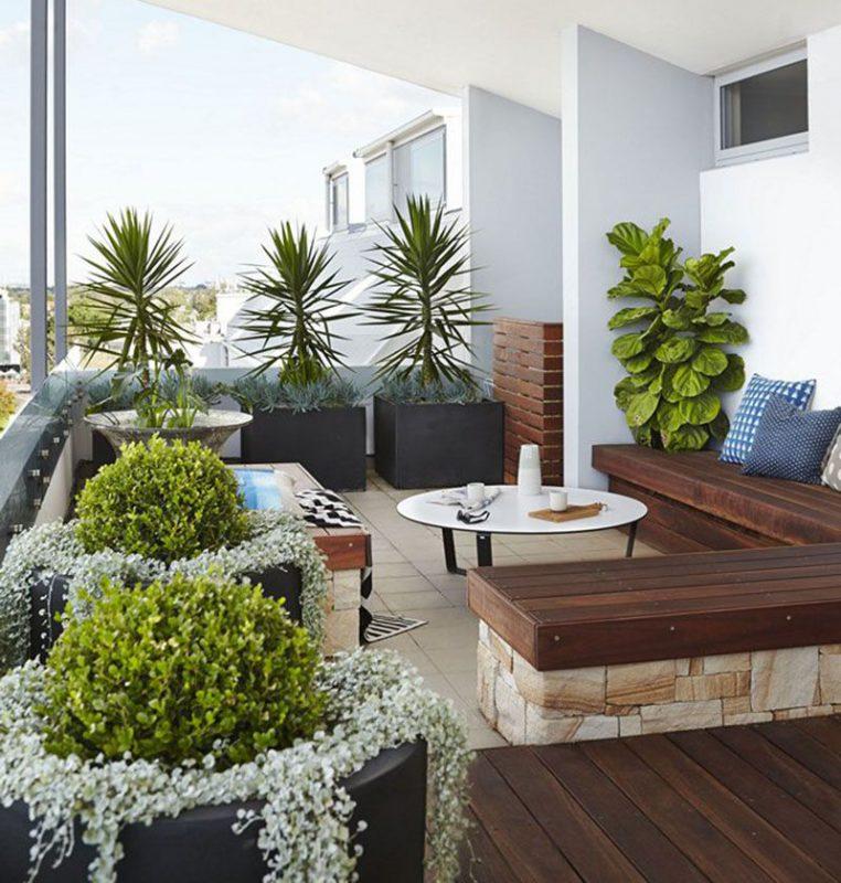 ban cong xanh phong khach 9 762x800 - #35 Kiểu ban công xanh [ĐẸP] ở chung cư, nhà ở năm 2020