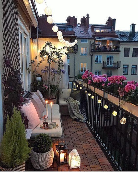 ban cong xanh thu gian 9 - #35 Kiểu ban công xanh [ĐẸP] ở chung cư, nhà ở năm 2020