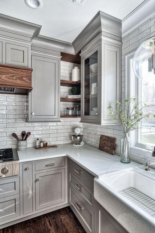 phong bep dep co dien 2 534x800 - #45 Mẫu phòng bếp đẹp hiện đại được quan tâm nhất hiện nay
