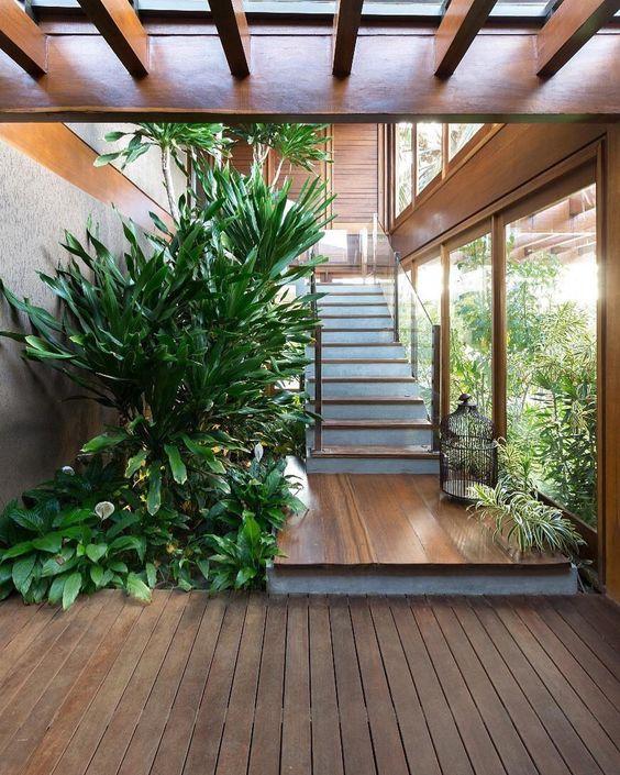 tieu canh cau thang doc vua 5 - #33 Mẫu tiểu cảnh cầu thang đẹp [trang trí] nhà ở năm 2021