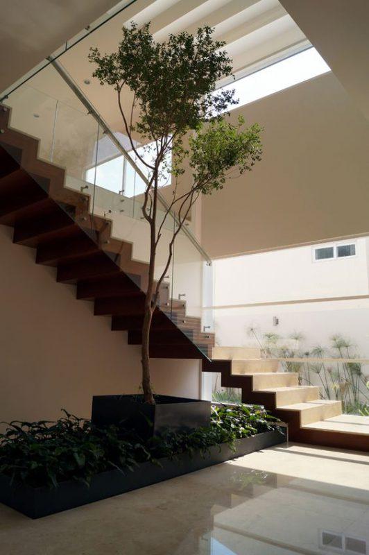 tieu canh cau thang rong 1 532x800 - #33 Mẫu tiểu cảnh cầu thang đẹp [trang trí] nhà ở năm 2021