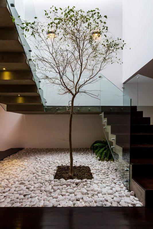 tieu canh cau thang rong 6 533x800 - #33 Mẫu tiểu cảnh cầu thang đẹp [trang trí] nhà ở năm 2021