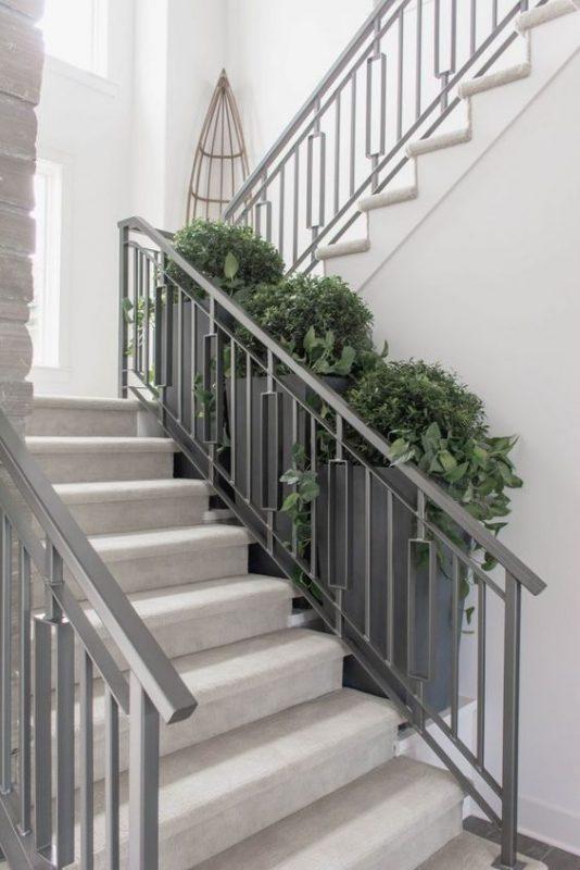 cau thang sat hop dep 1 534x800 - #55 Mẫu cầu thang sắt đẹp [thích hợp] mọi không gian nhà ở.