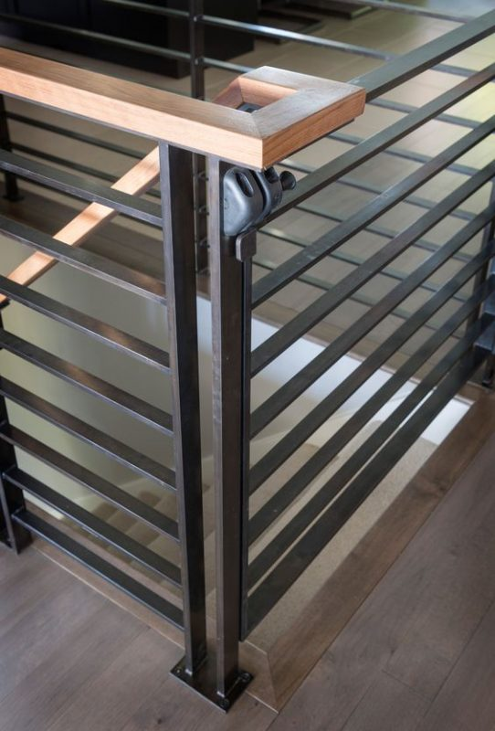 cau thang sat tay vin go dep 10 542x800 - #55 Mẫu cầu thang sắt đẹp [thích hợp] không gian nhà ở.