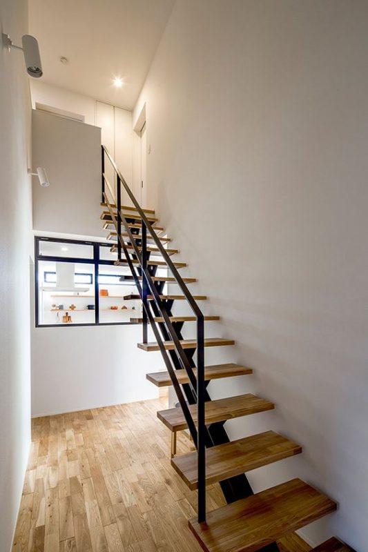 cau thang sat xuong ca dep 2 533x800 - #55 Mẫu cầu thang sắt đẹp [thích hợp] mọi không gian nhà ở.