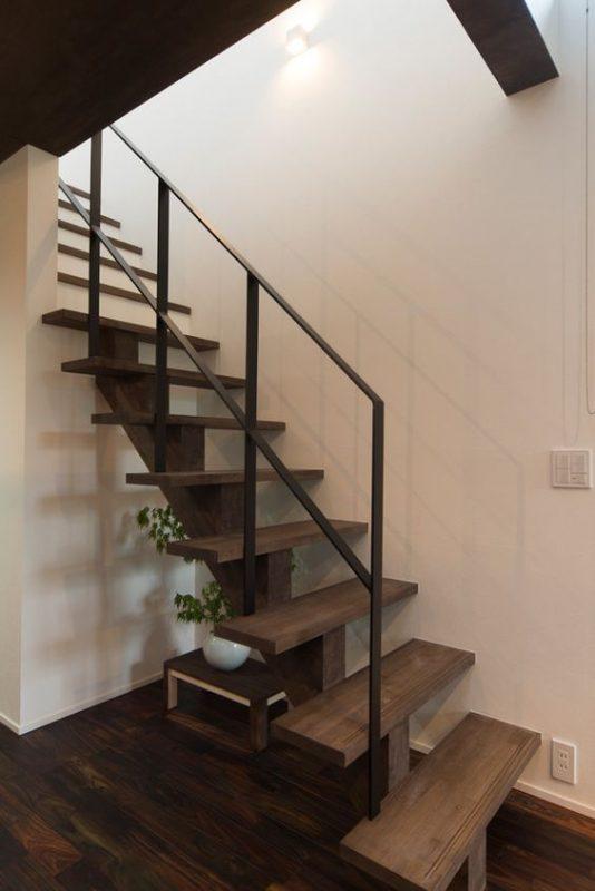 cau thang sat xuong ca dep 3 534x800 - #55 Mẫu cầu thang sắt đẹp [thích hợp] mọi không gian nhà ở.