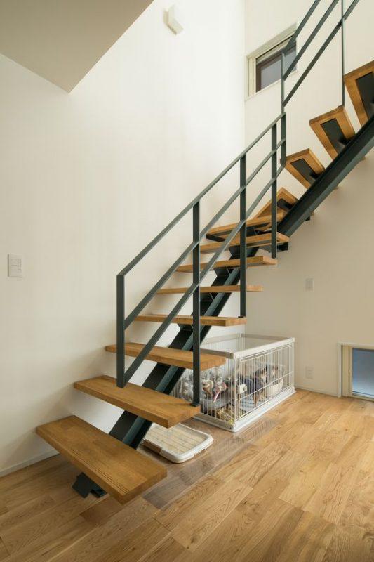cau thang sat xuong ca dep 9 533x800 - #55 Mẫu cầu thang sắt đẹp [thích hợp] mọi không gian nhà ở.