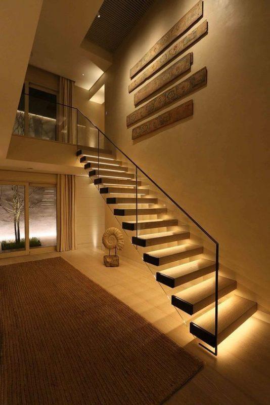 cau thang giua nha 5 534x800 - #Mẫu thiết kế cầu thang giữa nhà đẹp được [thịnh hành] năm 2020