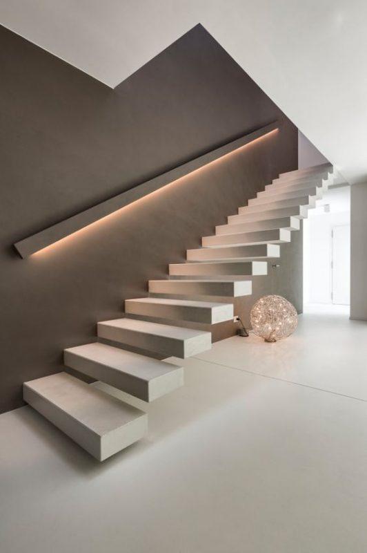 cau thang giua nha 6 532x800 - #Mẫu thiết kế cầu thang giữa nhà đẹp được [thịnh hành] năm 2020