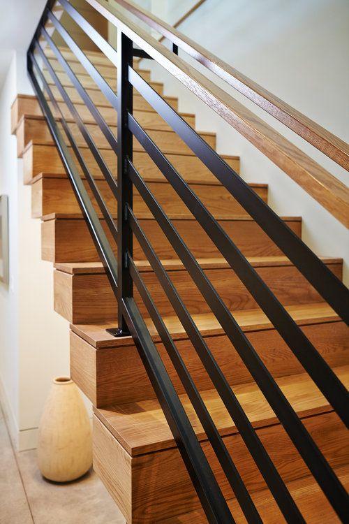 cau thang go sat dep 3 - #29 Mẫu cầu thang gỗđẹp 2020 ưa chuộng HOT nhất tại TPHCM