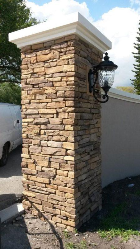 da che tu nhien op tuong hang rao 8 450x800 - Trang trí đá chẻ tự nhiên ốp tường đẹp cho không gian nhà ở