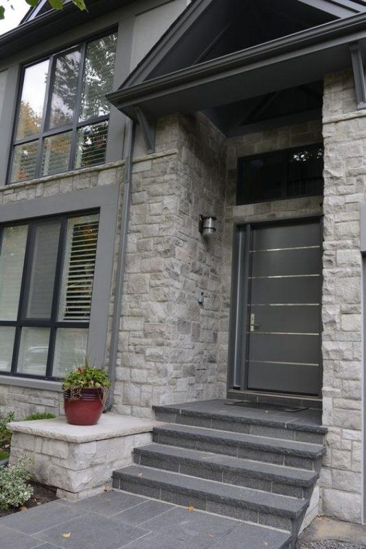 da che tu nhien op tuong mat tien 3 533x800 - Trang trí đá chẻ tự nhiên ốp tường đẹp cho không gian nhà ở