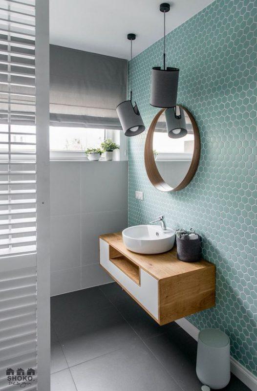 gach luc giac op tuong phong ve sinh toilet 1 526x800 - Gạch lục giác ốp tường ứng dụng vào không gian trong ngôi nhà đẹp