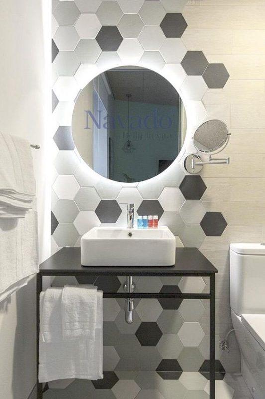 gach luc giac op tuong phong ve sinh toilet 5 532x800 - Gạch lục giác ốp tường ứng dụng vào không gian trong ngôi nhà đẹp
