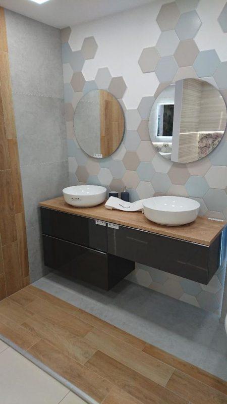 gach luc giac op tuong phong ve sinh toilet 6 450x800 - Gạch lục giác ốp tường ứng dụng vào không gian trong ngôi nhà đẹp