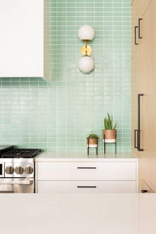 gach op bep dep hien dai 12 533x800 - Các mẫu gạch ốp bếp đẹp cho tường BẾP với từng phong cách