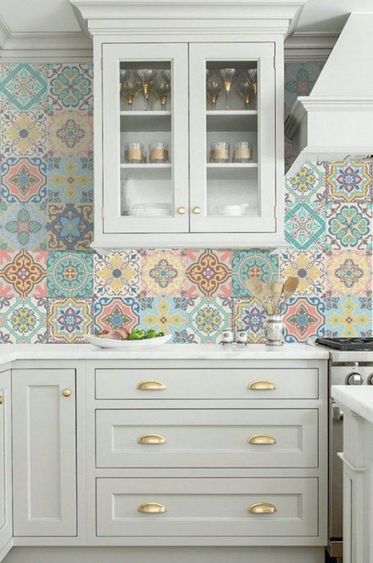 gach op bep dep tan co dien 12 530x800 - Các mẫu gạch ốp bếp đẹp cho tường BẾP với từng phong cách